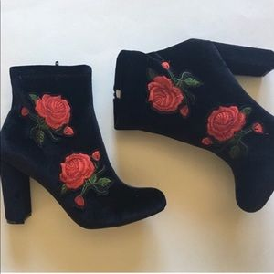 🆕 Liliana Rose Embroidered Ankle Booties